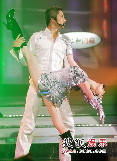 吉杰唐笑带来唯美舞蹈