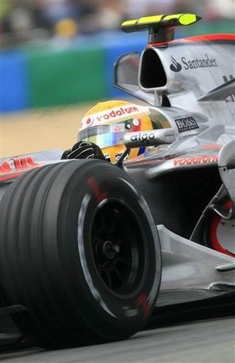 图文:F1法国站正赛 汉密尔顿的赛车特写