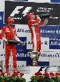 图文:F1法国站正赛 莱科宁狂饮香槟