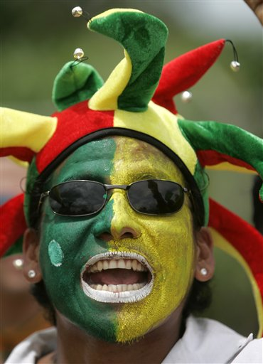 巴西球迷的奇怪脸谱