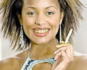 英国政府宣传照:抽烟的女人真丑