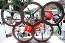 图文:2008奥运景观雕塑巡展 舞劲中国环扣世界