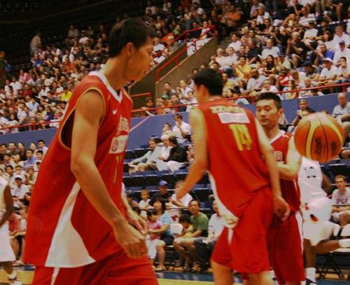 美国拉练中国男篮就遭遇败绩