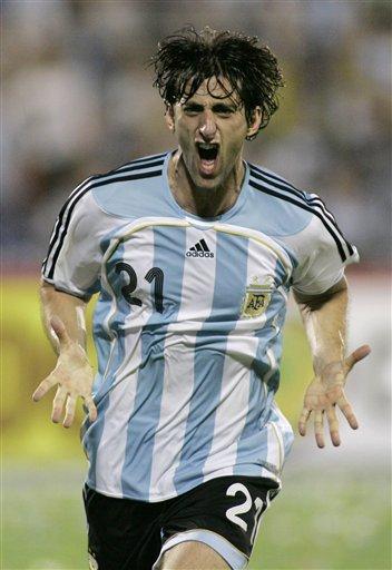 图文:阿根廷4-2哥伦比亚 巴蒂二世建功