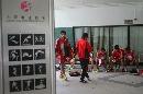 图文:国足备战亚洲杯最后热身赛 小西湾运动场