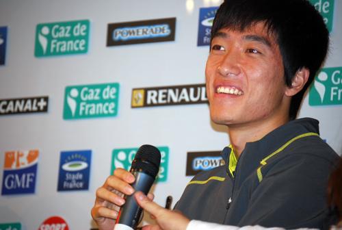 刘翔在巴黎黄金联赛发布会上