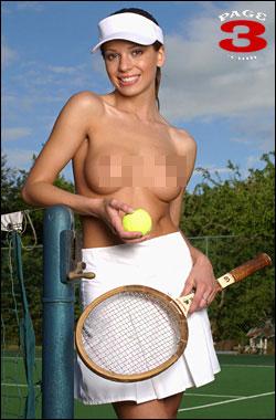 图文:[温网]太阳报三版女郎 网球宝贝塞雷娜
