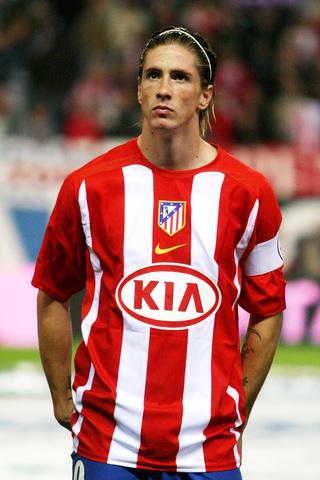 图文:托雷斯马竞生涯回顾 卡尔德隆的年轻队长