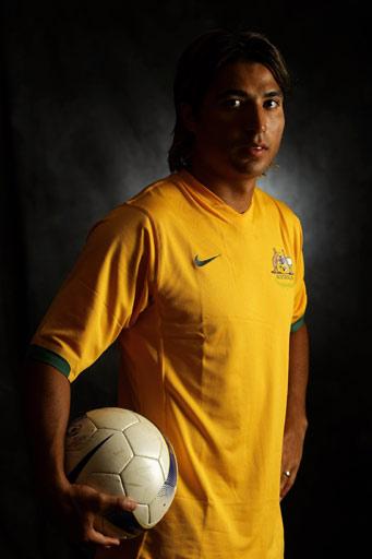 图文:亚洲杯澳大利亚 19号澳超中场尼克-卡尔