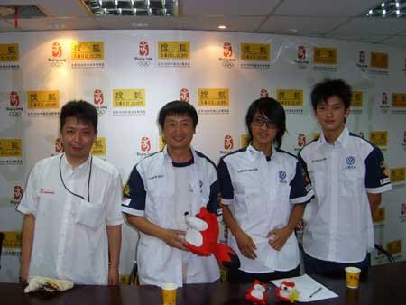 左起:荻九保宽、王睿、韩寒、黄佳俊