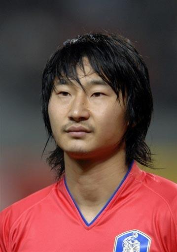 07亚洲杯韩国队阵容 10号锋线尖刀李天秀
