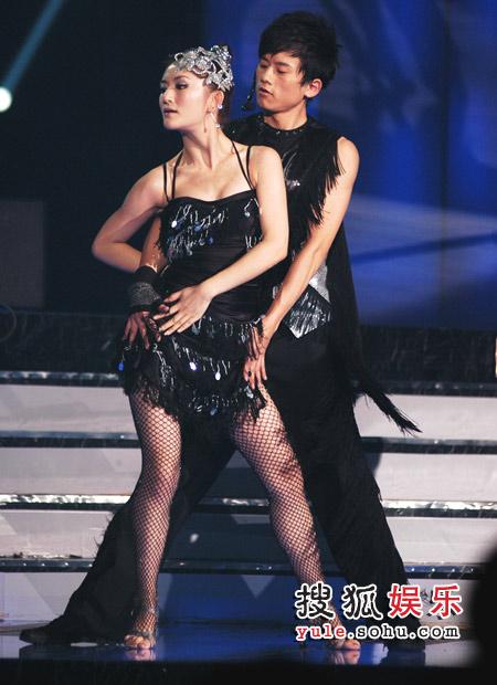 张杰谢娜贴身双人舞