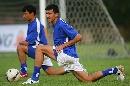图文:[亚洲杯]乌兹别克备战小组赛 训练前热身