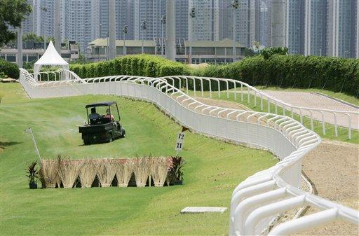 图文:香港奥运马术赛场竣工 沙田马场一角