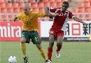 图文:[亚洲杯]澳洲VS阿曼 布雷西亚诺突破