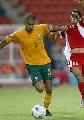 图文:[亚洲杯]澳洲1-1阿曼 吉斯诺博凶悍突破