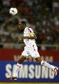 图文:[亚洲杯]越南VS阿联酋 大力头球