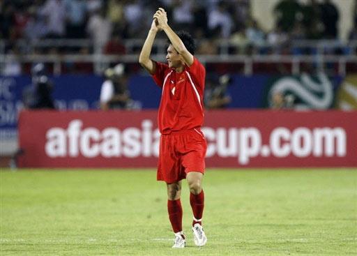 图文:[亚洲杯]越南VS阿联酋 庆祝胜利