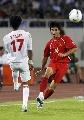 图文:[亚洲杯]越南VS阿联酋 球员对脚