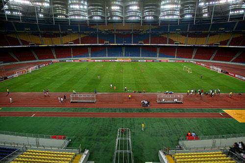 图文:[亚洲杯]国足大马踩场 俯瞰壮观景象