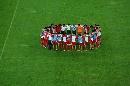 图文:[亚洲杯]国足大马踩场 团结一心誓师
