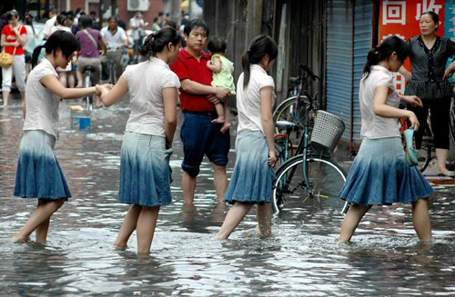 南京遭遇大暴雨(组图)