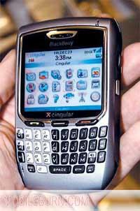 科技时代_中国移动今年9月引进第一款黑莓手机