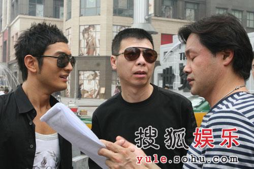 黄晓明在拍摄现场