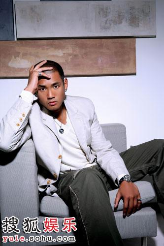 图:《青年汇》节目主持人黑人风采 - 2