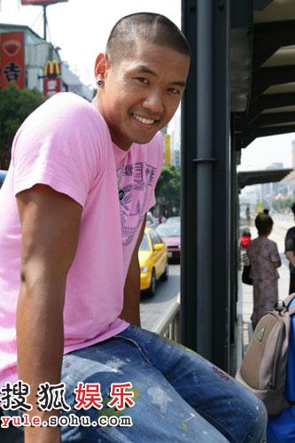图:《青年汇》节目主持人黑人风采 - 6