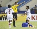 图文:日本1比1卡塔尔 亚塞尔向裁判申辩