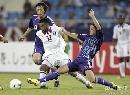 图文:日本1比1卡塔尔 日本队员积极拼抢
