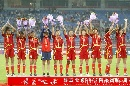 图文:[邀请赛]中国1-0墨西哥夺冠 挥手谢球迷