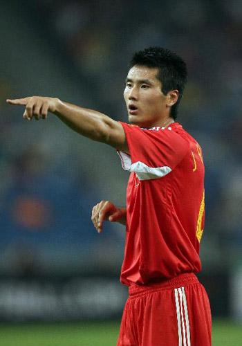 图文:[亚洲杯]中国5-1大马 佳一剑指四强