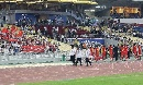 图文:[亚洲杯]中国5-1大马 队员赛后感谢球迷