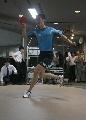 图文:乒乓球队接受测试 王励勤在测试中