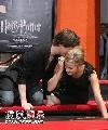 组图:《哈利5》手印仪式 哈利与赫敏公然亲热