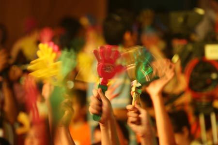 图文:唱响志愿校园行活动举行 现场气氛热烈