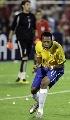 图文:[美洲杯]巴西7-6乌拉圭 罗比渐成领袖