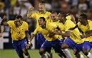 图文:[美洲杯]巴西7-6乌拉圭 桑巴欢庆胜利
