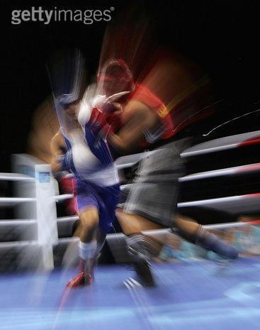 创意体育图集-两位拳手的打斗瞬间