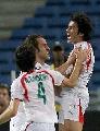 图文:[亚洲杯]伊朗2-1乌兹别克 卡泽米安怒吼