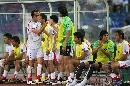 图文:[亚洲杯]伊朗2-1乌兹别克 卡里米下场