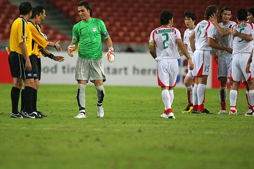 图文:[亚洲杯]伊朗5-1乌兹别克 庆祝逆转