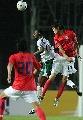 图文:[亚洲杯]韩国1-1沙特 金正友头球解围
