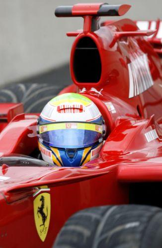 图文:[F1]斯帕赛道试车次日 马萨特写