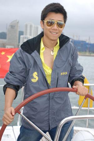 图文:2007相约奥运扬帆海上 夏雨体验水手人生