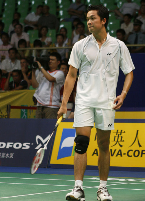 图文:羽球大师赛第二轮陶菲克胜盖德 王者气势