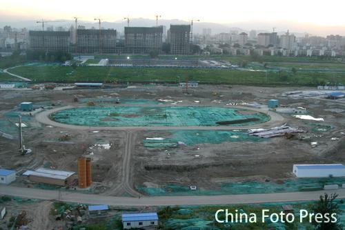 图文:申奥成功六周年北京变化 鸟巢破土动工
