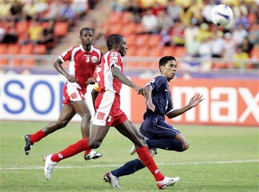 图文:[亚洲杯]泰国2-0阿曼 通甘亚速度惊人